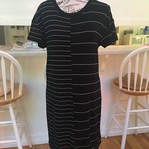EUC Lou & Grey Super Soft T Shirt Dress Size Med
